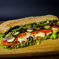 Сандвич пуешко филе и кашкавал