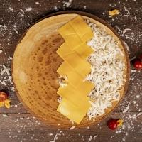Палачинка с кашкавал и сирене чедър