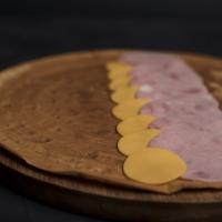 Палачинка с шунка и сирене чедър