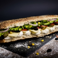 Сандвич крема сирене и кашкавал