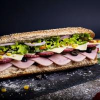 Сандвич шунка, флорентинер и кашкавал