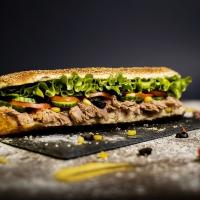 Сандвич с риба тон